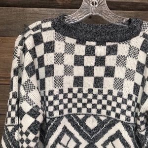 Sweaters - Checkered Sweater L